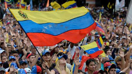EE.UU. anuncia que dará US$ 20 millones de ayuda a Venezuela y pide proteger a Juan Guaidó
