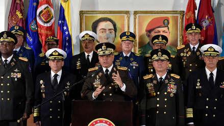 FF.AA. de Venezuela respaldan a Maduro y califican proclamación de Guaidó como