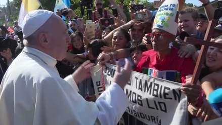 Papa Francisco rompió el protocolo y le cantó feliz cumpleaños a una anciana en Panamá