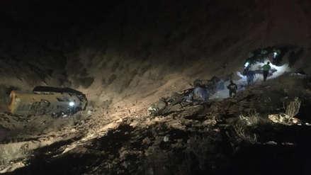 Al menos 14 muertos tras accidente entre un bus y un camión en Arequipa