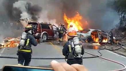 Varios vehículos incendiados tras un múltiple choque en la Carretera Central