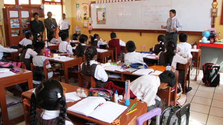 ¿Es posible que cada región elabore su propio currículo escolar?
