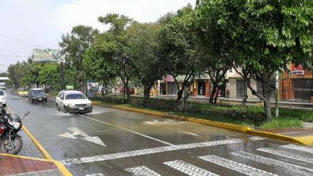 Colapso de desagüe genera aniego cerca de plataforma comercial de Arequipa