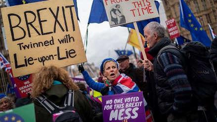 El Parlamento británico vota a favor de renegociar el acuerdo del brexit