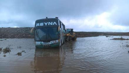Arequipa | Tres personas murieron intoxicadas en un bus que quedó atrapado en una vía de Condesuyos