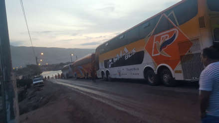 Arequipa | Panamericana Sur fue bloqueada en Camaná por ingreso del río Pescadores