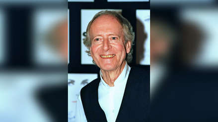 "John Barry: el compositor musical de ""James Bond"" que dañó su esófago con un extracto de bayas"