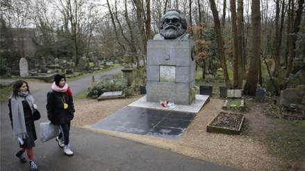 La tumba de Karl Marx fue atacada a martillazos en Londres