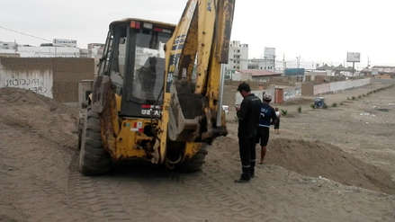 Con maquinaria destruyen zona arqueológica de sacrificio masivo de niños en Huanchaco