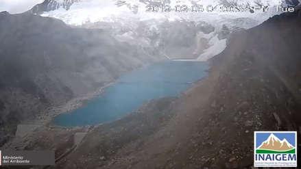 Impresionante: Bloque de nevado cae sobre laguna de Palcacocha y genera oleaje [VIDEO]