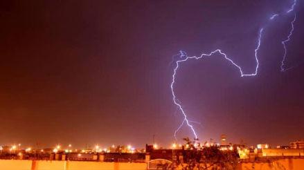 Hospital de Barranca colapsó tras caída de inusuales lluvias, rayos y truenos en la zona