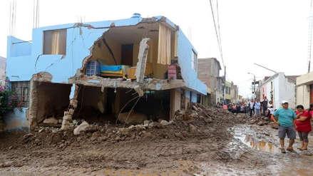 Diez muertos y cientos de casas afectadas por las intensas lluvias y huaicos en el norte y sur del Perú