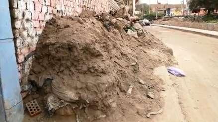 Trujillo: Vecinos viven con lodo y basura de los huaicos desde el 2017