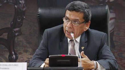 """Verdadero o Falso   Hernando Cevallos: """"Durante los dos periodos de Luz Salgado y Luis Galarreta han entrado cerca de 800 trabajadores [al Congreso]"""""""