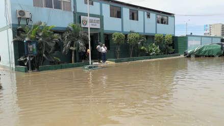 Chiclayo: el exterior de la comisaría del Norte se convirtió en una laguna