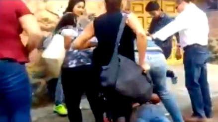 Mujeres persiguieron y capturaron a hombres que las asaltaron en un bus en México