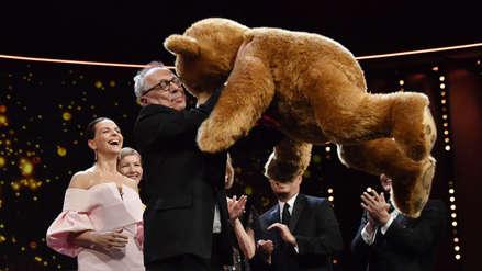 Ellos alzaron el Oso de Oro y de Plata: Las imágenes de los ganadores de la Berlinale 2019
