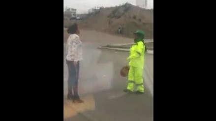 Video   Mujer agrede y humilla con insultos racistas a trabajadora del Gobierno Regional de Arequipa