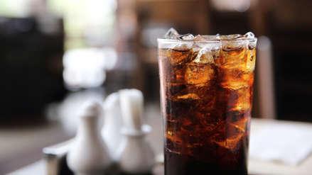 Consumo de gaseosas dietéticas aumenta el riesgo de infartos y derrames cerebrales