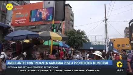 Comerciantes ambulantes continúan en las calles de Gamarra pese a ordenanza municipal