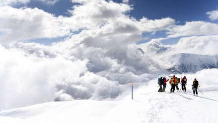 Una avalancha sepultó a varias personas en una estación de esquí en Suiza