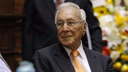 """Luis Bedoya Reyes cumplió 100 años: """"Los que lleguen a una vejez como la mía no tengan miedo"""""""