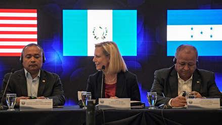 Estados Unidos pide a Centroamérica detener caravanas de migrantes