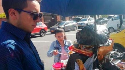 Hombre es multado con casi 300 dólares por comprar una empanada en la calle y desata una polémica