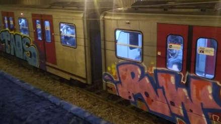 Vándalos frenaron un tren del Metro de Lima y lo pintaron con grafitis [VIDEO]
