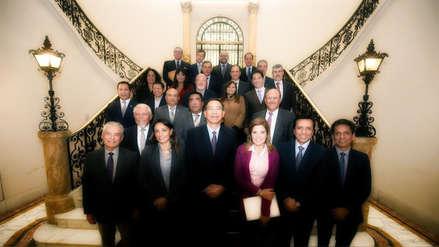 Chats y renuncias: Los altibajos en el partido Peruanos por el Kambio