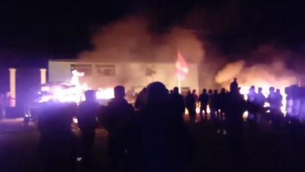 Al menos dos patrulleros incendiados en un intento de ajusticiamiento en Paucará