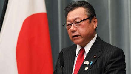 Ministro en Japón tuvo que disculparse por llegar tres minutos tarde a una reunión en el Parlamento