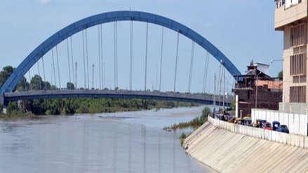Río Piura incrementó su caudal drásticamente y está en riesgo de desbordarse en las próximas horas