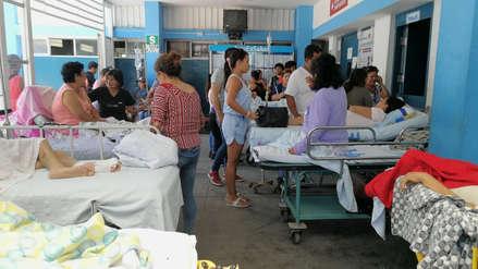 Chiclayo: Pacientes de hospital EsSalud son atendidos en la parte externa debido a filtraciones de agua