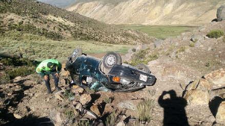 Arequipa | Tres policías se salvan de morir tras caer a un barranco