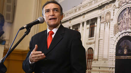 Fiscalía inició una investigación preliminar a congresista Héctor Becerril