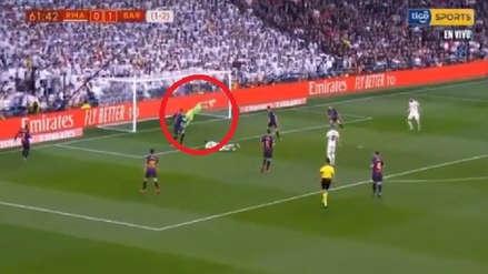 Real Madrid vs. Barcelona: Ter Stegen y la espectacular atajada tras el cabezazo de Reguilón