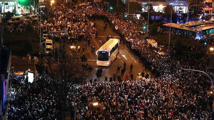 Real Madrid vs. Barcelona: espectacular recibimiento al bus merengue en el Santiago Bernabéu