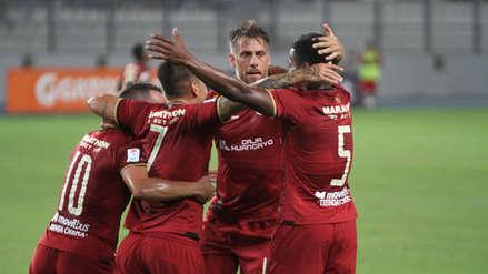 Germán Denis definió en primera para el tercer gol de Universitario ante San Martín