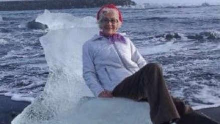 Una anciana que posaba sobre un iceberg tuvo que ser rescatada luego de ser llevada mar adentro