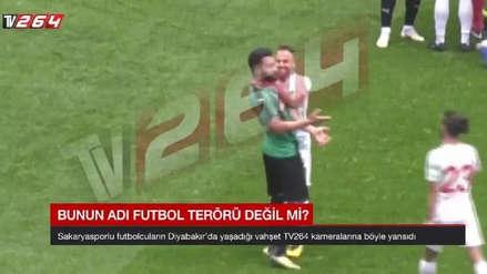 ¡Insólito! Futbolista salió con una cuchilla a un partido en Turquía y dañó a varios rivales con ella