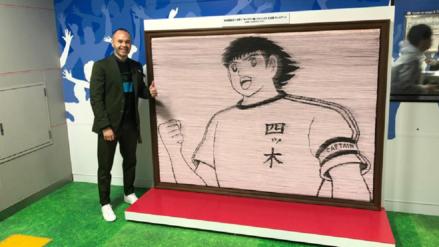 Andrés Iniesta inaugura estación del metro japonés inspirado en Super Campeones