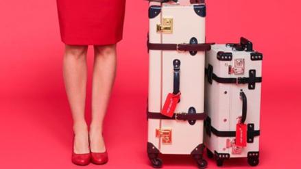 Una aerolínea permitirá que sus aeromozas usen pantalón y trabajen sin maquillaje