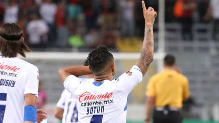 Yoshimar Yotún reveló cómo le ganó el duelo a Anderson Santamaría en la Liga MX
