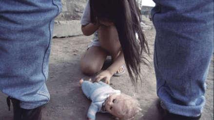Murió la bebé de la niña argentina violada y obligada a dar a luz