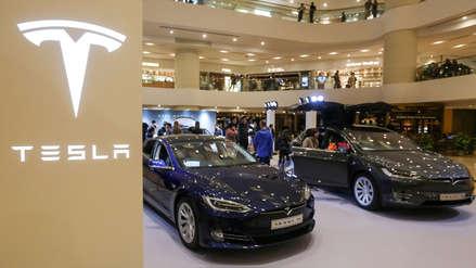 Tesla reconsidera decisión y no cerrará tiendas: subirá sus precios en 3% para lograrlo