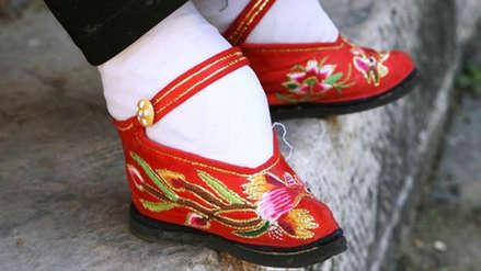 """""""Yo no quería, nadie quería"""": La trágica historia de por qué las mujeres chinas se vendaban los pies"""