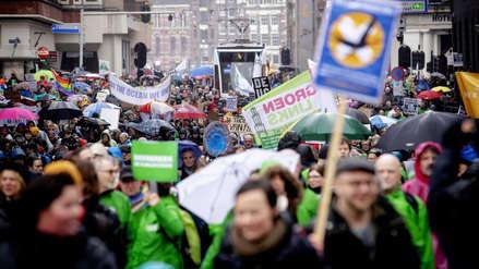 Así fue la multitudinaria marcha contra el cambio climático en Holanda