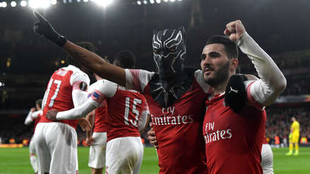 La original celebración de Aubameyang:  celebró a los 'Black Panther' en victoria del Arsenal ante Rennes