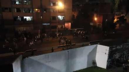 ¡Manchan el fútbol! Barristas se pelean y provocan incidentes en exteriores de Matute